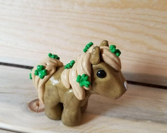 Clay Sculpture Lucky Shamrock Pony