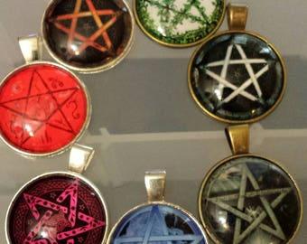 7  penticle pentagram glass cabochon pendants  stash reduction clearance p107