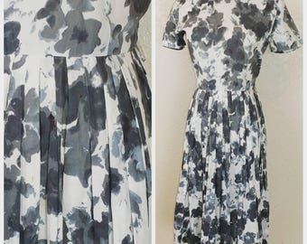 Adorable Vintage Cotton Day Dress Black and White Floral