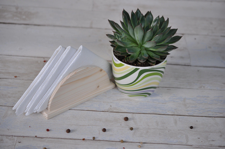 beh lter f r servietten serviettenhalter aus holz serviette. Black Bedroom Furniture Sets. Home Design Ideas