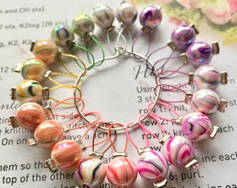 20 Knitting stitch markers marbled inks