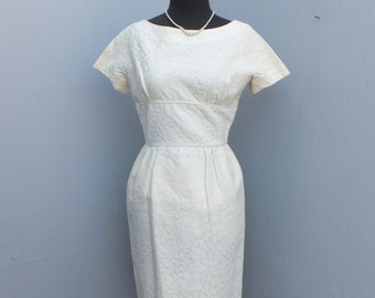 Vintage 1950s/60s Wiggle Dress, Jonathan Logan, Hourglass Dress, Off White Wiggle Dress, Mad Men, Mediium,  34 bust