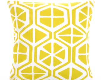 OUTDOOR Yellow Pillow Covers Decorative Pillows Cushions Pineapple Yellow White Aiden Geometric Beach Decor Patio One or More ALL SIZES