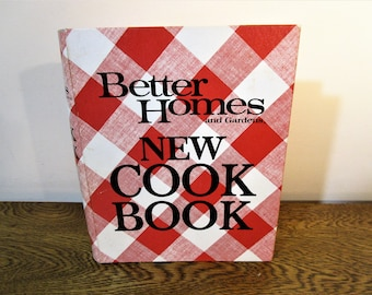 Better Homes and Gardens New Cook Book - 1976 Edition - Classic Cookbook - Kitchen Collectibles - Ring Binder Recipe Book