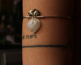 Gemstone arm bracelet