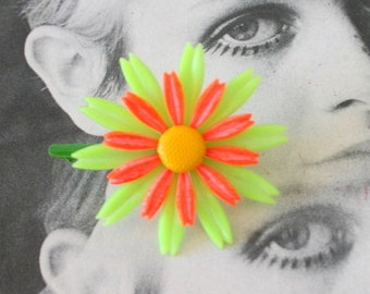 Vintage NEON GROOVY Flower Brooch..groovy. retro. flower. 1970s. classic. mad men. daisy. costume jewelry. vintage brooch. small. cute. gift