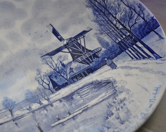 Large Dutch landscape blue and white vintage china plate