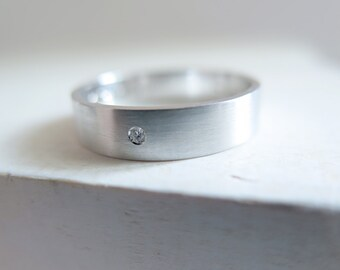 White Gold Wedding Band with diamond. 18kt White Gold, diamond, 5mm, Engagement ring, Wedding band, diamond wedding ring. Made to Order.