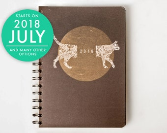 2018 2019 Weekly Planner with a thick quality paper! Cat lovers A5 Diary! Weekly Calendar Calendario Kalender Agenda Journal! Open-dated