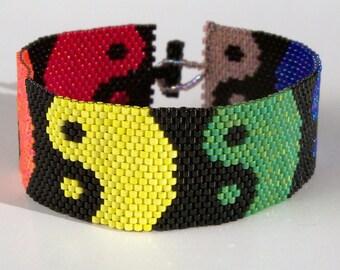 Rainbow Ying Yang Bracelet Pattern - Peyote Pattern