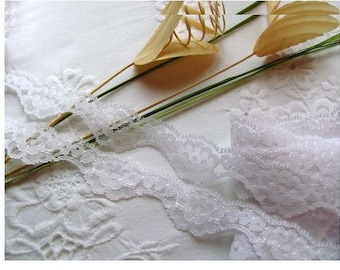 2 meters - Pure white 27 mm floral lace