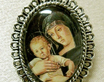 Mary with the child brooch - BR02-107