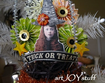 WEEKLY DEAL - Halloween witch in a glittered hanging cone - Halloween - NO467