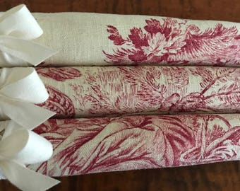 Padded Hangers, Toile Hangers, Padded Clothes Hangers, Bridesmaid Hangers, Vintage Toile Covered Hangers, Toile Covered Hangers, Red Hangers