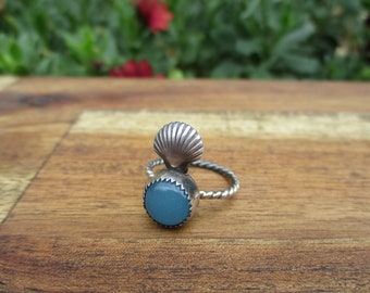 Silver Mermaid Ring Size 6.25 / Blue Chalcedony Ring / Sterling Silver Ring / Seashell Ring / Round Chalcedony Ring / Silver Shell Ring