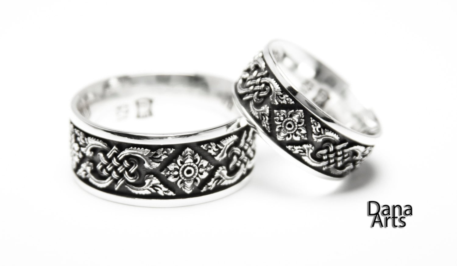zoom - Celtic Knot Wedding Rings