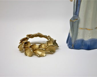Vintage laurel wreath brooch - 1950s