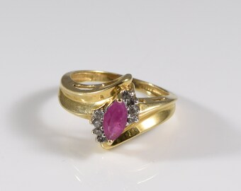 Vintage 10K Yellow Gold Diamond and Ruby Ring Size 7