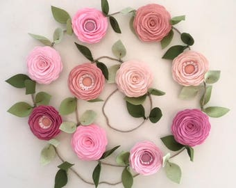 PINK ROSES GARLAND // Felt Flower Garland // Floral Garland // Spring Garland // Nursery Decor // Baby Shower Decor // Valentine's Day