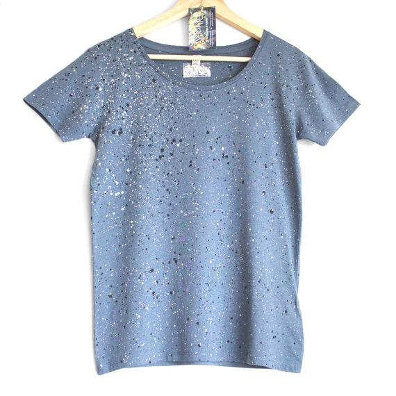 GREY OWL top. Ladies open neck t-shirt. Women's organic cotton t-shirt. Grey and pastel speckle.