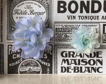 Silk flower brooches set