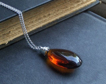 AMBER FIRE - Amber crystal and sterling silver necklace. by Chymiera . A Zooey Deschanel Red Carpet Celebrity gift bag item.
