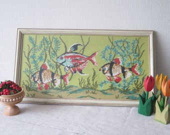 Vintage Embroidered Wall Picture Fishes Decorative Fish Tank Aquarium, Framed Fish Picture Wall Hanging Handmade Nordic #3-05