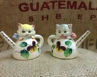 Vintage Teapot Kitties salt and pepper shakers