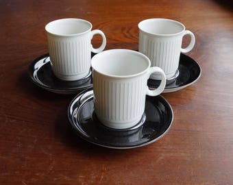 Set of 3 Royal Mosa Maastricht 730 Holland coffee cup + saucers. Medium high model. Dutch porcelain, good condition. Late mid century china