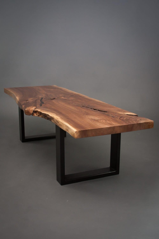 SU encargo nogal mesa de centro de tamaño medio borde vivo