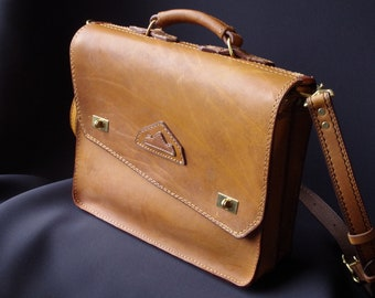 leather satchel waxed / oiled natural yellow