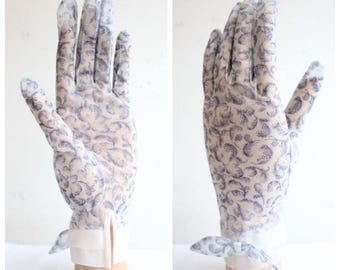 Vintage 1950's Gloves Vintage 1950's tea gloves day gloves novelty print feather gloves 1950's revival midcentury accessories 50's glove