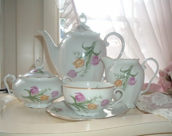 coffee pot, teapot, coffee set or teaset with pink and yellow tulips