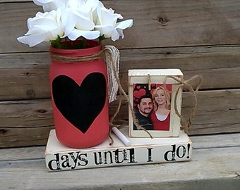 Wedding countdown-Engagement gift-Chalkboard countdown-Unique couples gift-Days Until I do-Wedding blocks-Bride to Be-Mason Jar-Fiance' gift