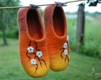 Handfelted slippers, home shoes, wool slippers, felt shoes, woolen clogs,orange slippers,  Cherry blossom HANDMADE TO ORDER any size