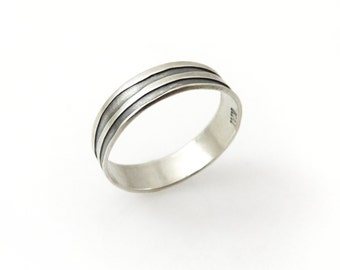 Wedding ring. Sterling silver wedding ring. Wavy silver ring. Wavy ring. Silver ring. Wedding band. Silver wedding band (gr9437-2015).