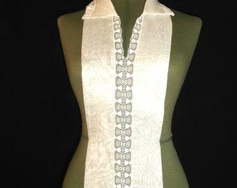 vintage  white bib-collar // lace collar//