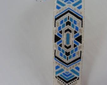 Blue tone Peyote woven bracelet