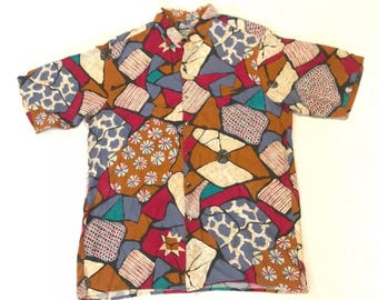 Reyn Spooner 2000's Size M Shirt Sleeve Hawaiian Traditionals Shirt with abstract art.