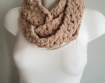 Crochet Infinity scarf, loop scarf, circle scarf, brown scarf, vegan scarf, chunky scarf