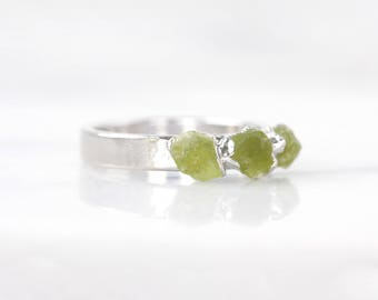 green stone ring | rough peridot ring | peridot ring silver | raw peridot stacking ring | august birthstone jewelry | august birthstone ring