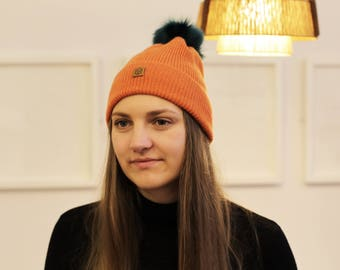 Maple Orange ribbed lambswool hat with faux fur pompom