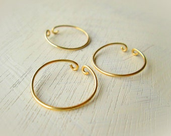 set of knuckle rings for women // midi ring above knuckle ring