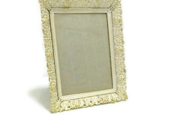 Filigree Photo Frame | White And Gold Lacy Edge Frame