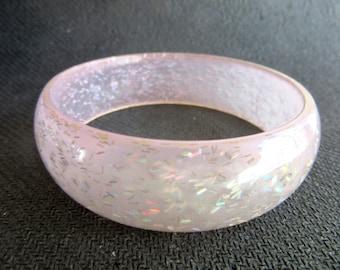 Confetti Lucite Bangle Aurora Borealis Rainbow Glitter on Blush Pink Size Small Mid Century