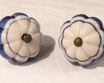 Blue and White Ceramic Knobs Cupboard Door Knobs Hand Painted Drawer Knobs x2