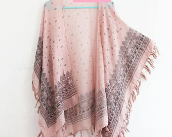 Kimono with Paisley and Tassels in Pink