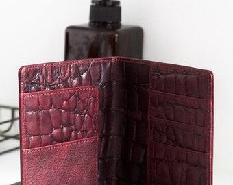 Luxury burgundy vegetable tanned leather passport holder