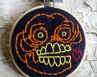 "orange <3 skull - 3"" hand embroidered wall hanging"