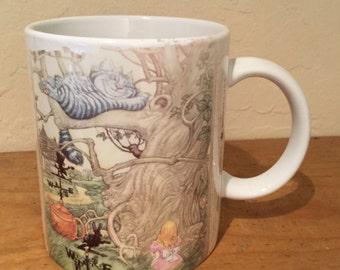 Vintage Alice in Wonderland Cheshire Cat 8 oz Ceramic Coffee Mug